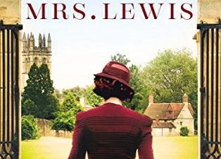 Becoming Mrs. Lewis by Patti Callahan is the love story between Joy Davidman and C.S. Lewis #histfic #historical fiction #Christianity